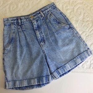 Vintage High Rise Bill Blass Jean Shorts    (GB12)